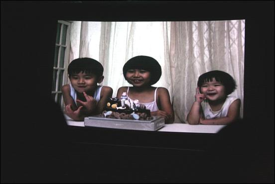 다큐멘터리 영화  <아이들 />의 한 장면 화면 캡쳐